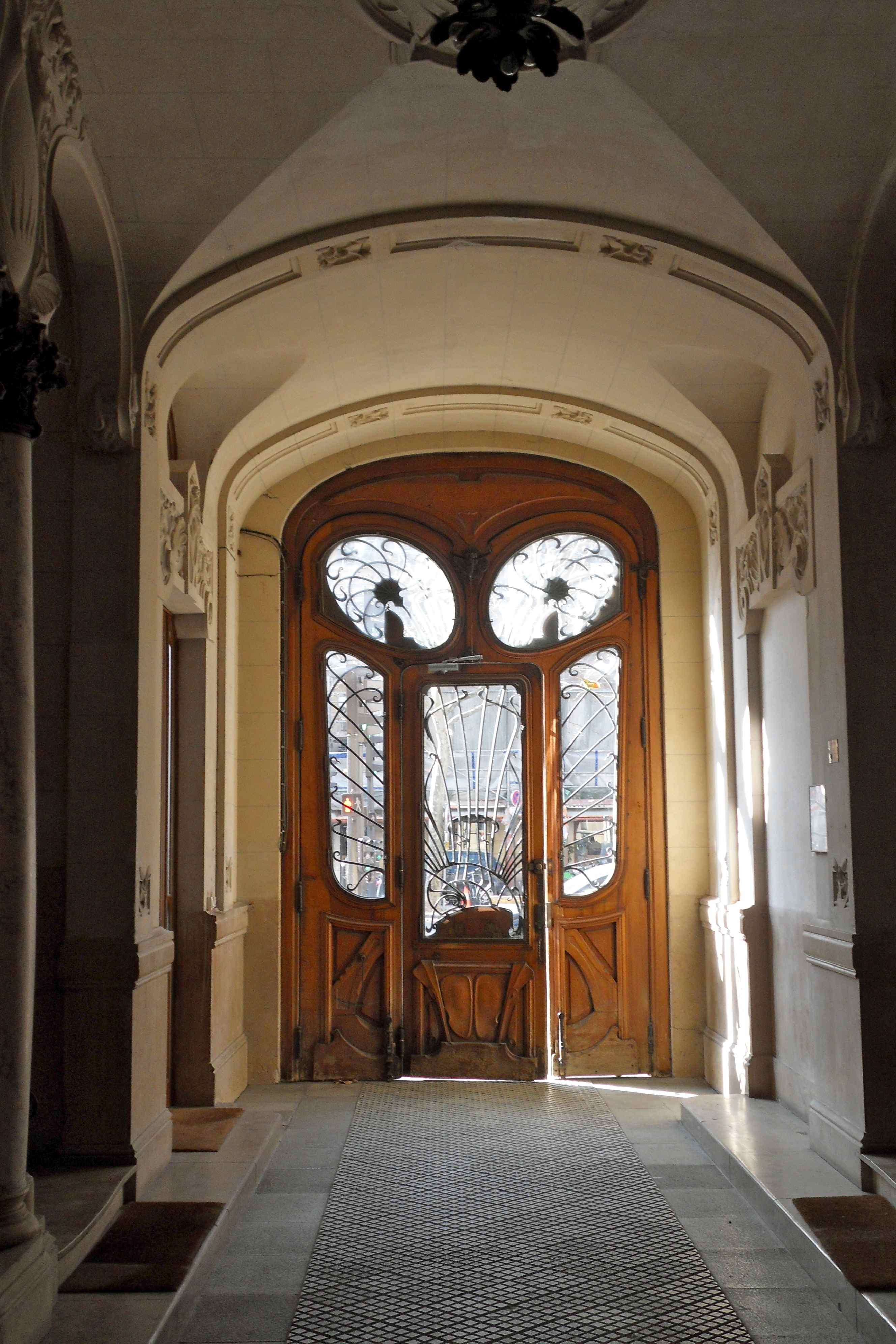 frenchless in france the most beautiful door in paris. Black Bedroom Furniture Sets. Home Design Ideas